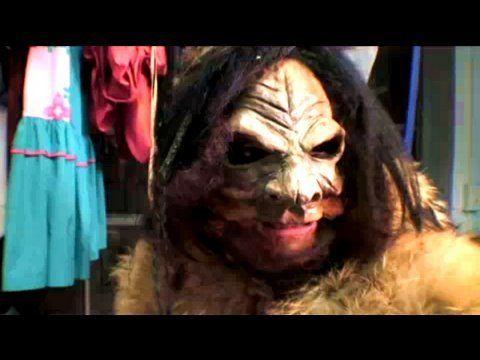 Big Foot Costume, Halloweeny How-To, Threadbanger - YouTube
