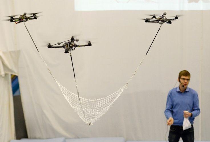 Haute voltige et ballet de drones dans l enceinte de l for Haute zurich