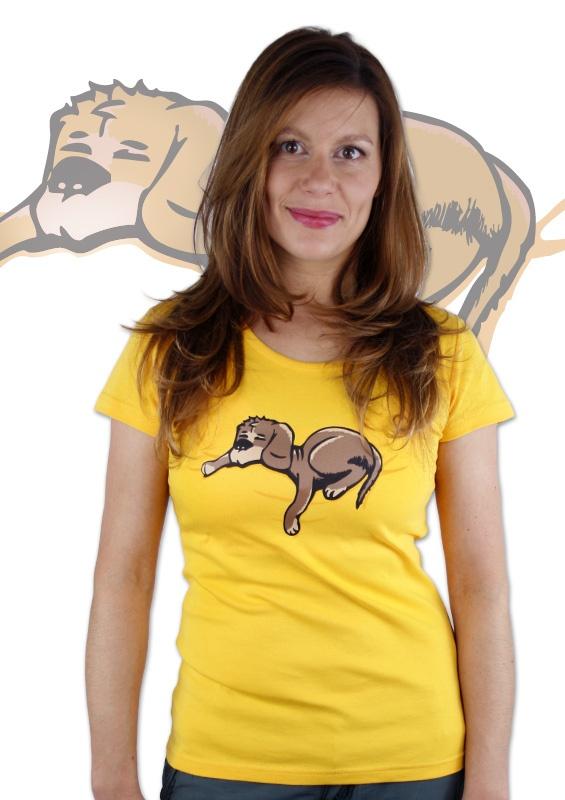 Schlafender Hund Damen T-Shirt  http://www.bastard-shop.de/damen-t-shirts/schlafender-hund-gelbes-damen-t-shirt-214/