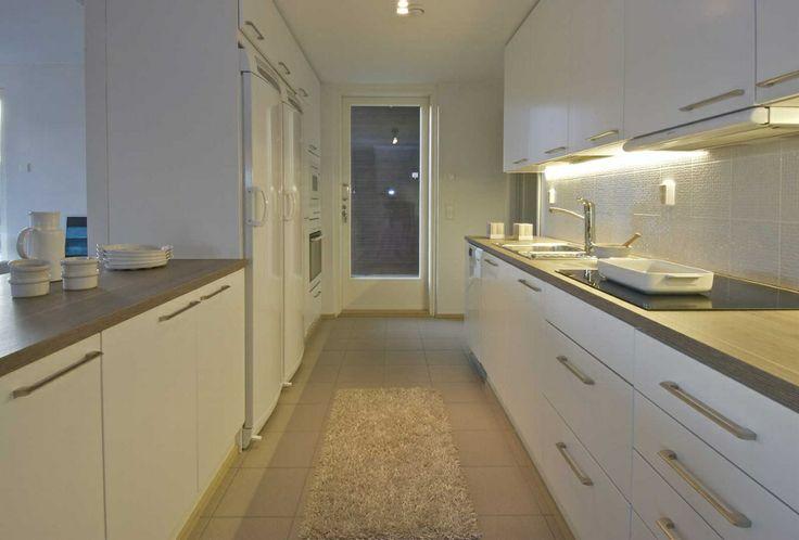 Kosketa tätä kuvaa: Sisustus - keittiö by Etuovi.com Sisustus