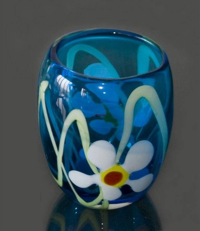 Mundblæst glas vase, blå med blomster, Højde: 26cm, Glas Kunst, Produceret for DPH Denmark