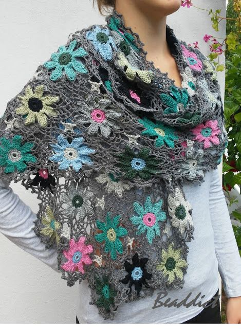 """Margareta"" crocheted cotton scarf, shawl in 100% cotton. Designed and beaded by Beaddict, inspired by Sophie Digard."