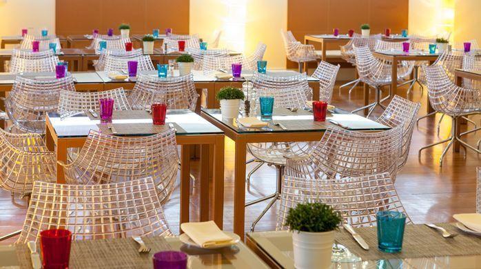 Hilton Garden Inn Florence Novoli hotel - City Restaurant Tables