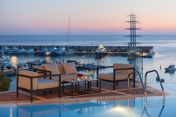 Hotel Port Adriano - Sunset Lounge www.golfandcountrytravel.nl