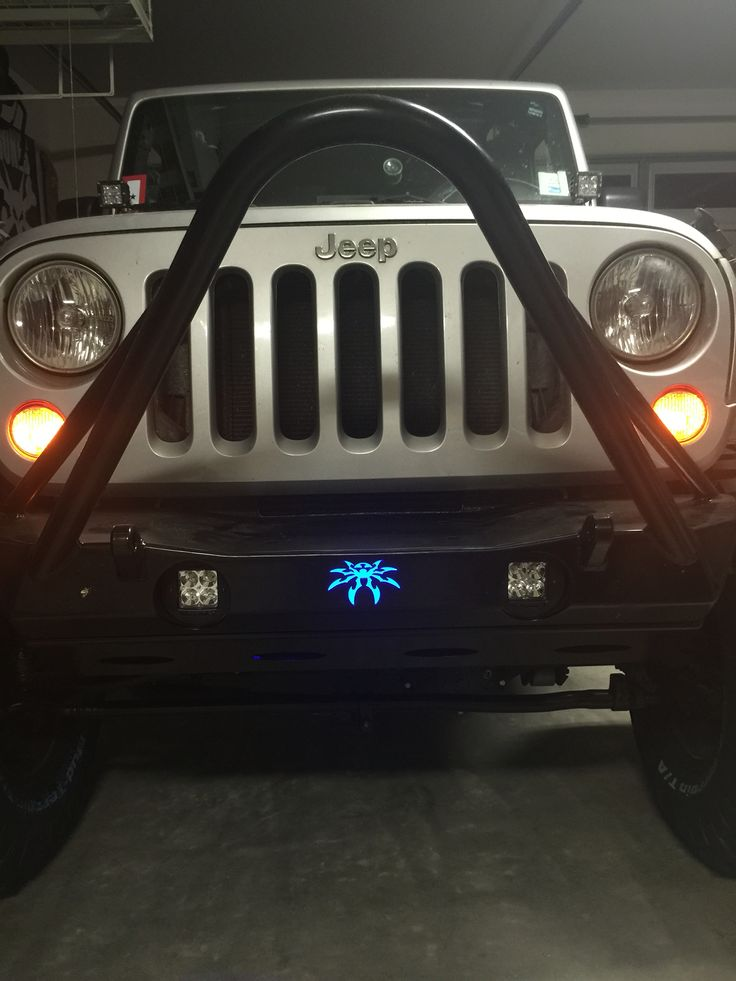 lit simple jeep