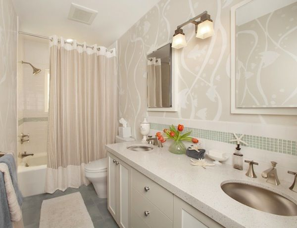 increase the size of your bathroom with your shower curtain