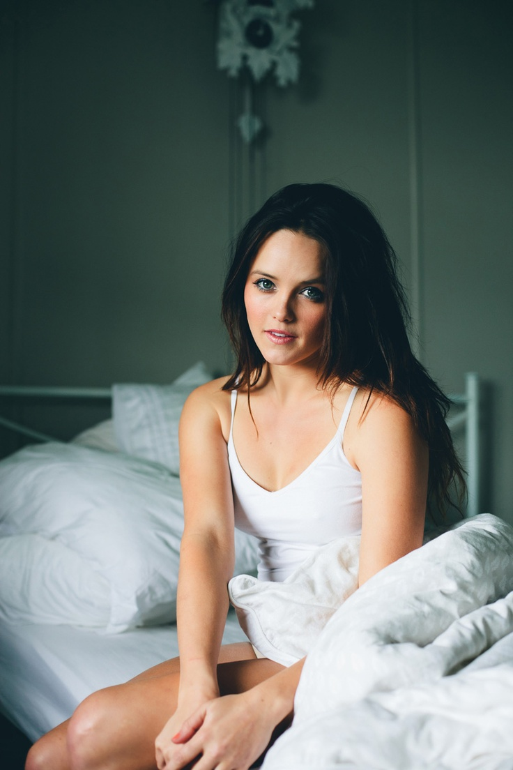 Rebecca Breeds - she is SO beautiful...