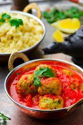 Boulettes de poisson au safran et sauce tomate