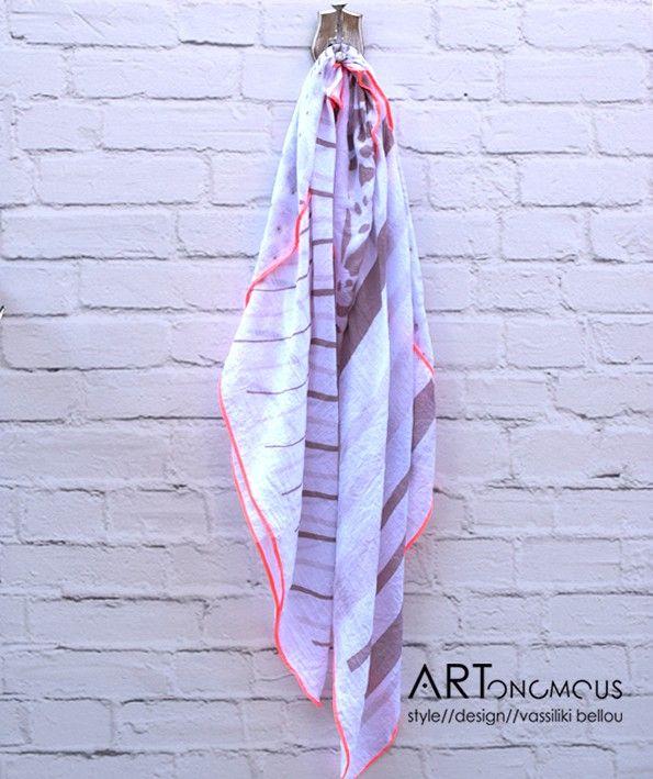 White square scarf - ARTonomous // Style // Design