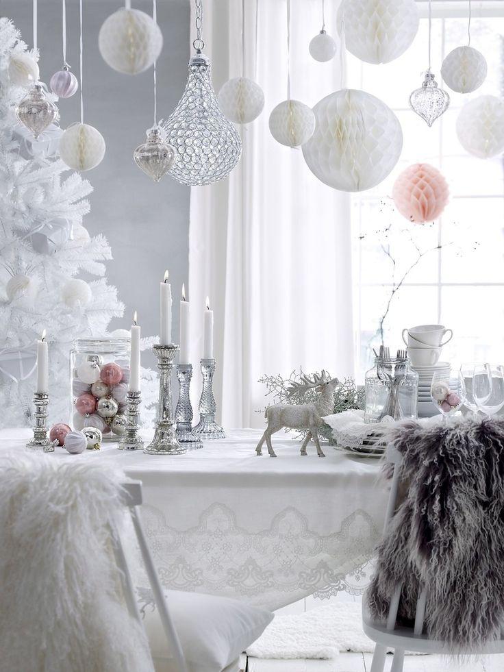 romanttinen,joulu,joulukoristeet,joulukoti,joulukattaus,joulukoriste,joulukoristelu,joulukuusi,valkoinen,pinkki,pastelli,vintage,lumi,talvi,ellos,pitsi,pastellit,koristeet,koriste-esineet,koristelu,koriste,koristeellinen,koriste-esine,hanki,jouluinen,talvinen,talvi tekstiilit,keittiö