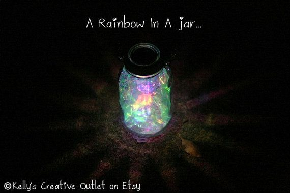 Oh my, these are simply gorgeous.  I need a bunch for my yard!  Mason Jar Solar Light fully assembled with by KellysCreativeOutlet, $20.00