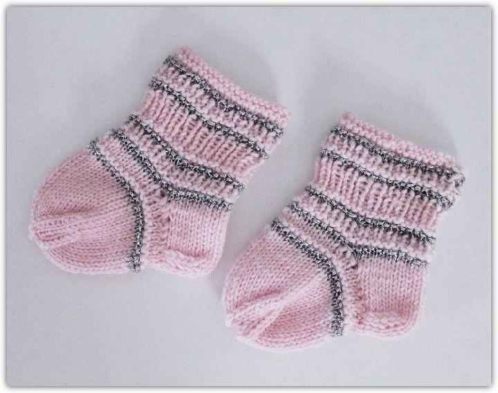 Johanna Kristiina: Vauvasukat ♥ vaaleanpunaista ja hopeaa ♥ Pink Knitted Baby Socks