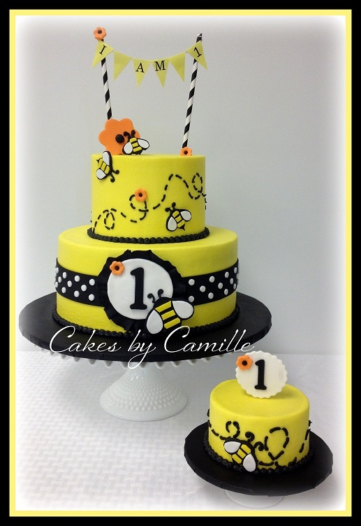 HapBee Birthday!! Honey bee cake with matching smash cake. Bumble bee birthday party.
