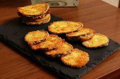 Simplemente espectaculares estos chips de berenjena crujiente, preparados en el horno de forma sana, sin aceite y sin freir.