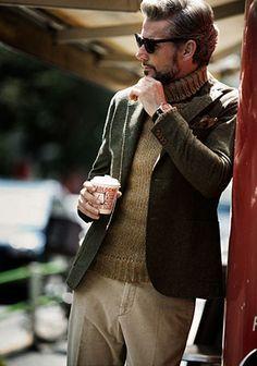 【今年も人気継続】タートルネック×ウールジャケットの着こなし(メンズ) | Italy Web