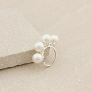 4 Pearl Row Ring