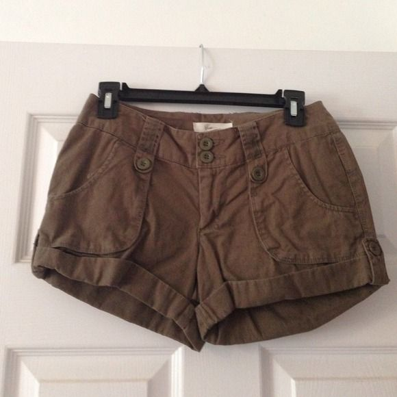 Forever 21 army green shorts Forever 21 brand, army green shorts. Size 24. Super cute casual short! Forever 21 Shorts