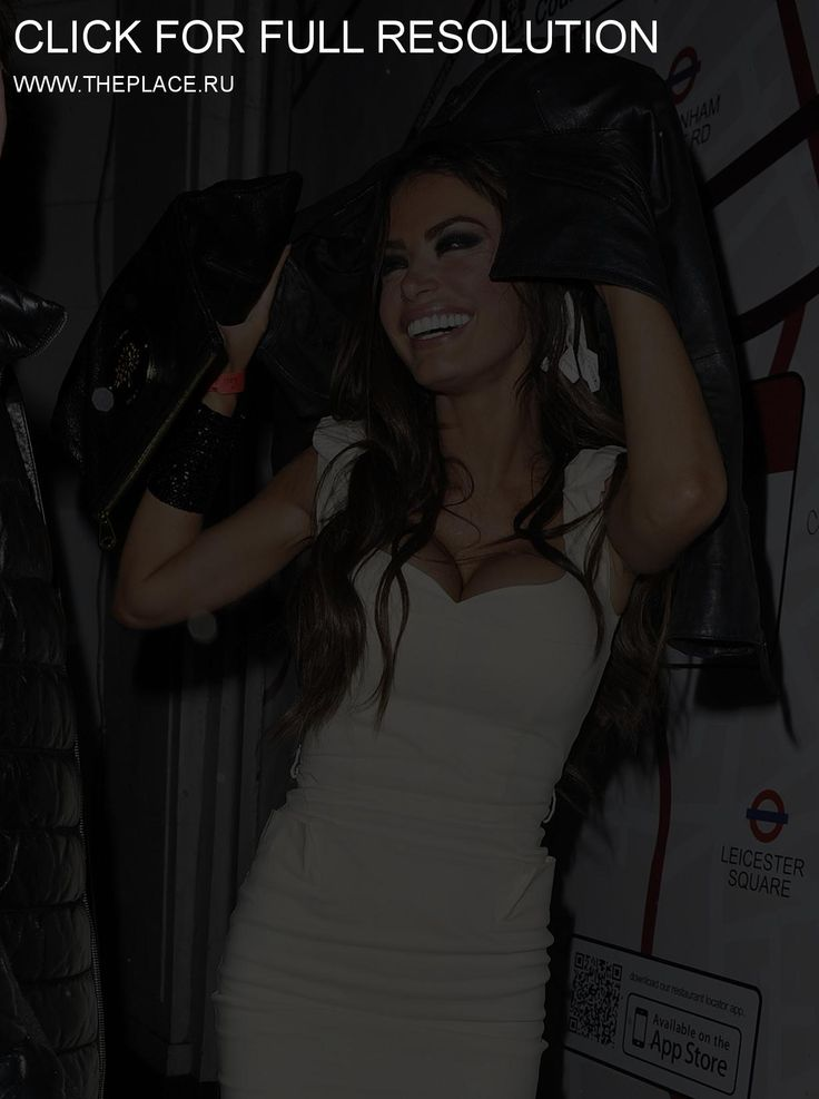 Хлоя Симс (Chloe Sims) White tight dress with black leather jacket (and black high heels?)