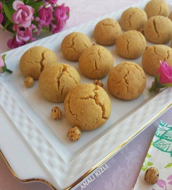 Fındık, fıstık, cevizi geçtik artık leblebi ile kurabiye yapıyoruz hanımlar  Lezzeti çok çok şahane  Hem pratik hem az malzemeli