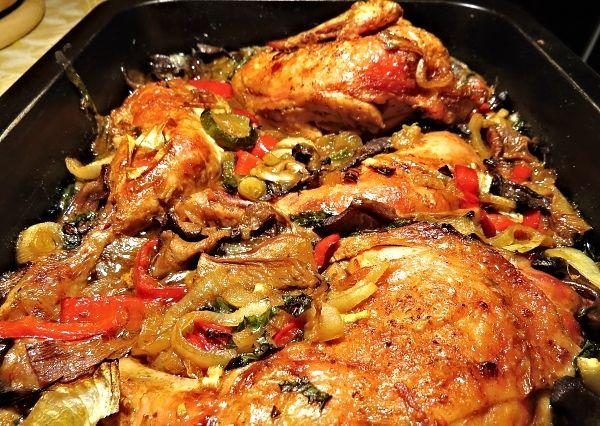 Kuře na zelenině a houbách