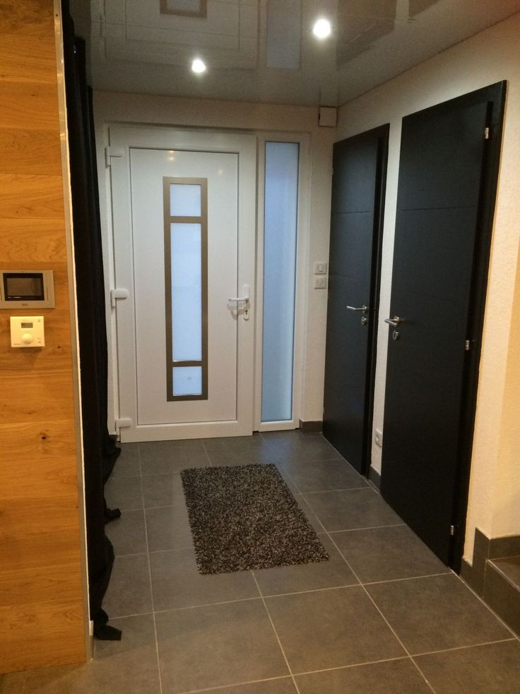 On a peint nos premières portes en noir brillant - Notre maison MSB en demi niveau 25 par Swissmade sur ForumConstruire.com