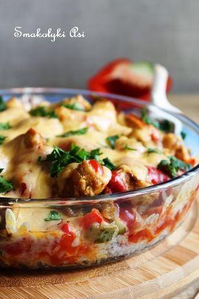 Pikantna, sycąca, świetnie sprawdzi się na obiad lub ciepłą kolację. Ma tą zaletę, że kurczaka i ryż można przygotować dzień wcześniej aby p...