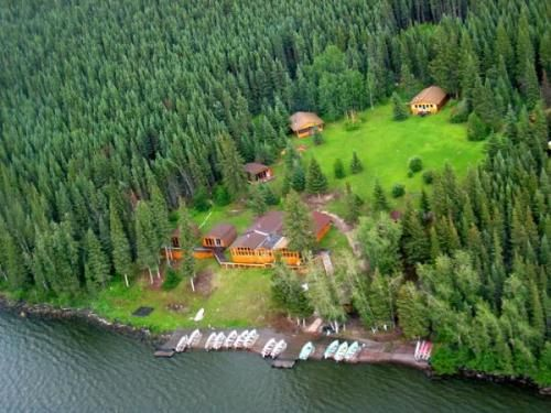 Manitoba fishing and hunting resort for sale fly in for Manitoba fishing lodges