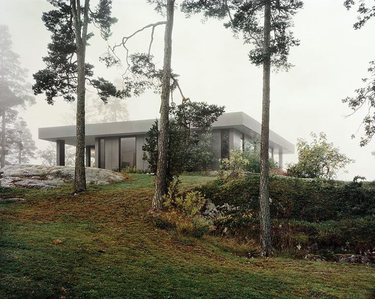 Hermansson Hiller Lundberg Arkitekter - Norrnäs Villa, Värmdö 2014. Via Divisare, photos © Mikael Olsson.
