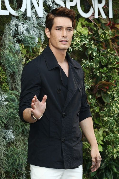 Gorgeous hapa Korean actor Ricky Kim.