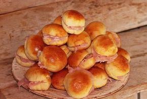 Panini salati all'olio,morbidissimi e deliziosi,ottimi da servire per le festività natalizie,buffet e compleanni!Soffici e gustosi