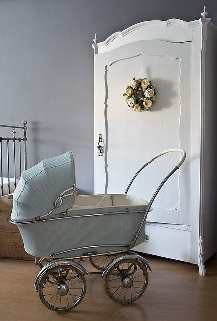 Vintage stroller~❥   This is the most repinned item in my whole collection. I literally have 1-5 ppl repin this a day. Lol.