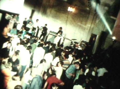 IdeaFixa » Velvet Underground ao vivo e a cores por Andy Warhol