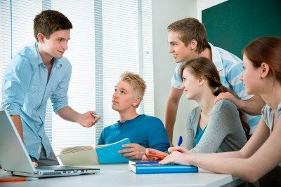 Educación Emocional en la Escuela ofrece formación y asesoramiento para docentes y centros, basándose en la inteligencia emocional. Online y presencial.