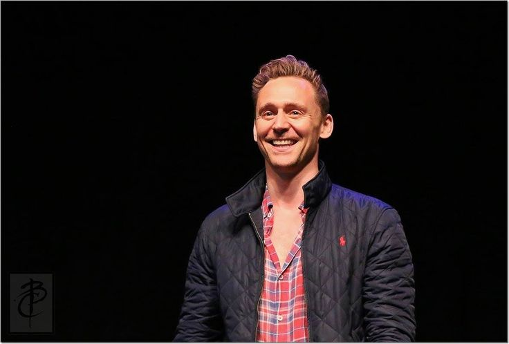 Tom Hiddleston at Wizard World at the Philadelphia Convention Center, PA. on June 4, 2016. Via Torrilla (https://wx3.sinaimg.cn/large/6e14d388gy1fg9kw2i4yzj20ww0maabk.jpg )