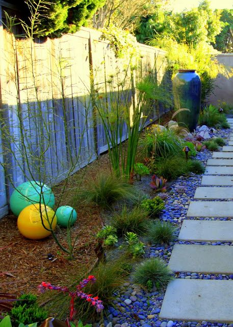 17 Best 1000 images about Garden spheres on Pinterest Gardens