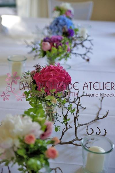 Neuorientierung Blumen am Tisch...