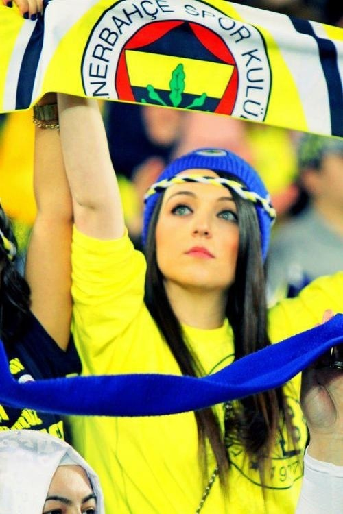 Fenerbahce supporter