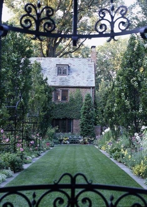 love this cottage and its gardens