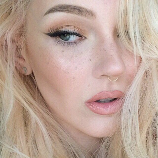 fake freckles using a spooly & anastasia beverly hills dip brow pomade; check out jordi dreher's pinterest!