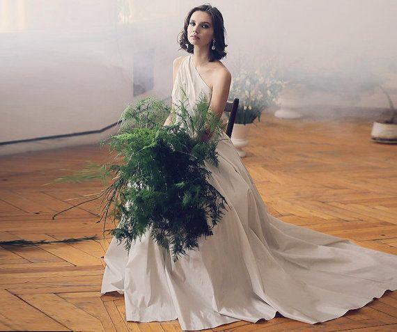 Filomena / ball wedding dress alternative wedding dress