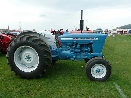 ford tractors  series images  pinterest