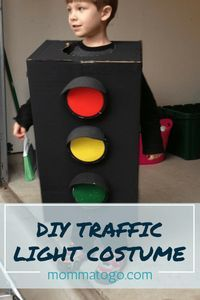 DIY Traffic Light Costume DIY | Halloween Costume | DIY Costume | Easy Costume | Boy Costume | Halloween Costume DIY | Halloween Costume Ideas | Halloween toddler costume | Traffic light dress up #Halloween #Costume #DIY