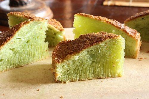 Vietnamese Pandan and Coconut Tapioca Cake (Banh Bo Nuong) Recipe