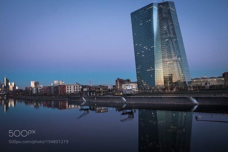 The EZB Frankfurt by kampi