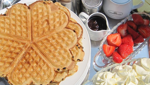 Siska, Knokke - Belgium (been here)  my kids in Belgium own it.  The waffle iron is patented and their recipes is secret.