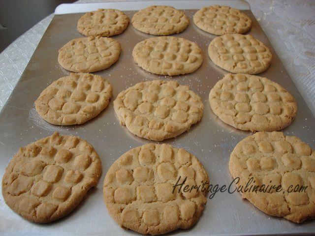 Voici la recette secrète à ma grand-mère Albert pour réaliser des bons biscuit au beurre d'arachide tendres et délicieux.