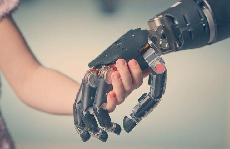 A treia versiune Bebionic, inspirată din tehnologia Formula 1, mimează perfect mișcările naturale ale mâinii. Bebionic 3 este o mână mioelectrică multi-articulată fabricată de RSL Steeper. Mâna beneficiază de 14 modele de prindere și poziții, ce includ poziția... #biohacking #bionics #prosthesys