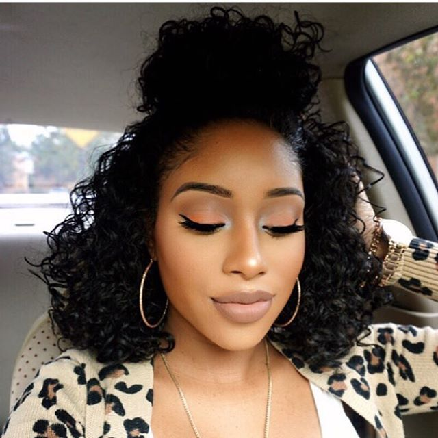 Love your curly ➰ bun @_gabriellaelena ❤️ #voiceofhair #topknot #curls #beatface ========================== Go to VoiceOfHair.com ========================= Find hairstyles and hair tips! =========================