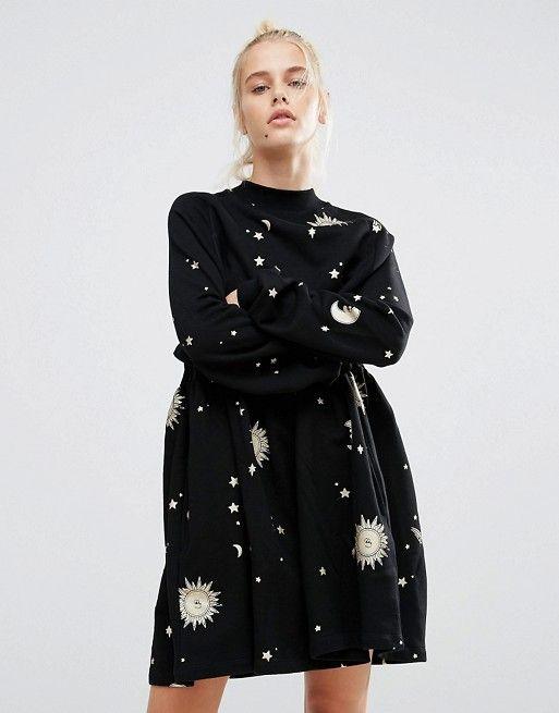 Lazy Oaf | Свободное платье с принтом звезд и луны цвета металлик Lazy Oaf