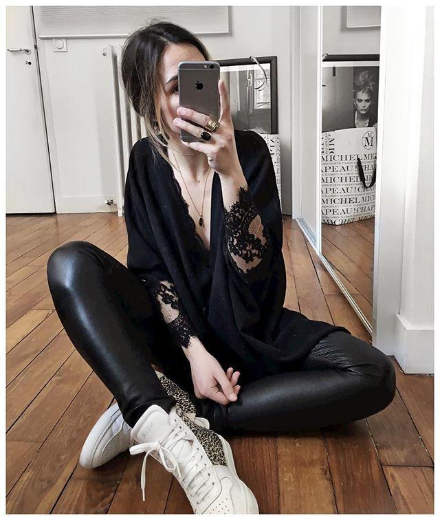 Tout noir ou presque! • Necklace #adelineaffre (from @adelineaffre) • Top &…